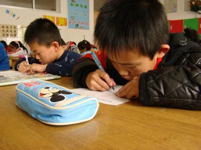 学习桌的保养方法与选择标准