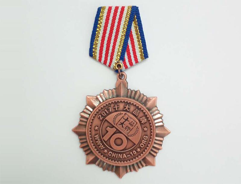 2017学习桌十大品牌勋章