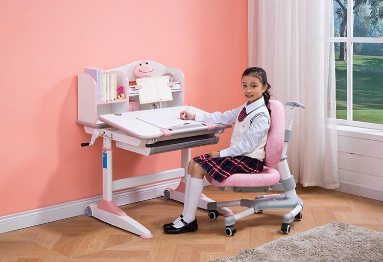 儿童学习桌尺寸多少最为适合