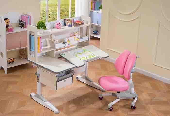 如何引导孩子整理儿童学习桌